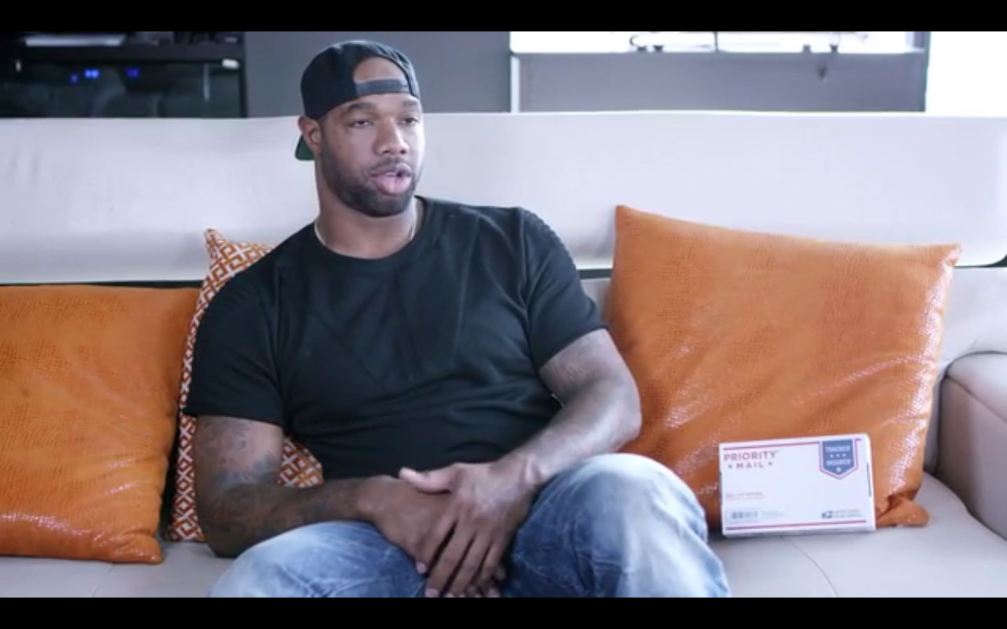 Marcedes Lewis Gives Thoughtful Gift To HS Coach Who Showed Him Path To NFL